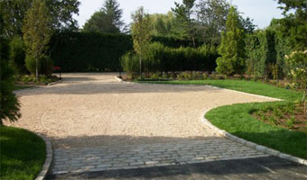 Pebble Stone Crushed Stone Hot Oil Gravel Driveway